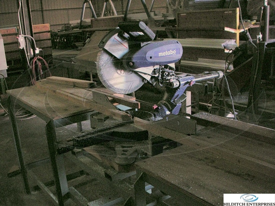 Metabo Model Kgs 305 Compound Miter Saw With Table